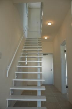 Y5邸の部屋 階段
