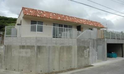 N8邸 (インナーガレージのある外観)
