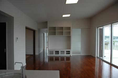 N8邸の部屋 シンプルなリビング