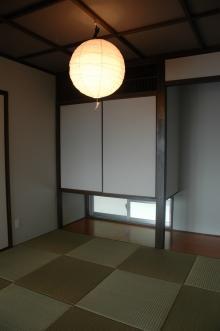 N8邸 (地窓から光が差し込む和室)
