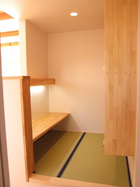 田上の家の部屋 小さスタディコーナー