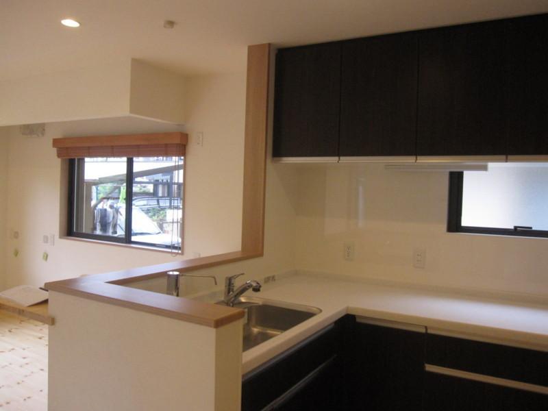 草津 全面リフォームの部屋 使いやすいL型キッチン