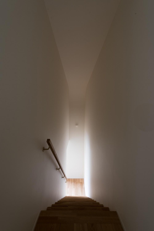 西京区のいえ (階段)
