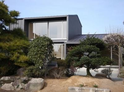 城島の家 (植栽越しに外観を見る (撮影:岡本公二))
