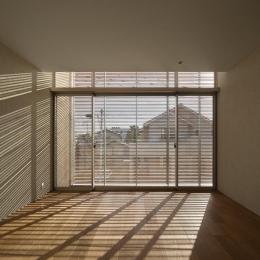LucentCourtHouse (寝室 (撮影:岡本公二))