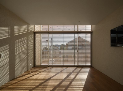 寝室 (撮影:岡本公二) (LucentCourtHouse)