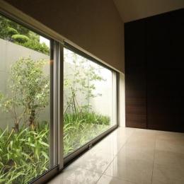 Garden House (廊下)