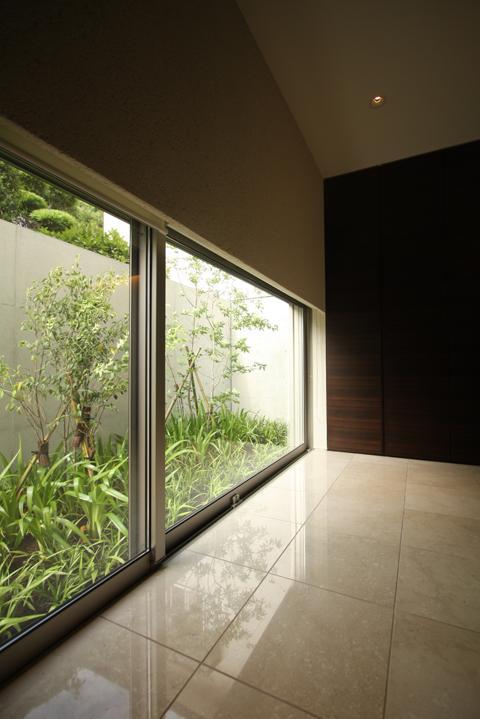 Garden Houseの部屋 廊下