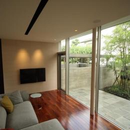 Garden House (居間)