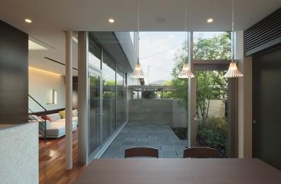 食堂 (Garden House)