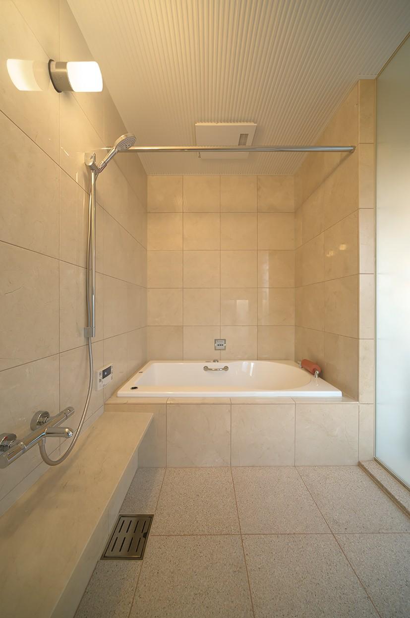 Garden House (2階浴室)