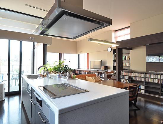 大きな空間の家の部屋 キッチン