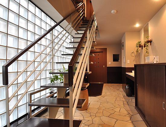 大きな空間の家 (玄関)