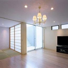 リビングと和室空間