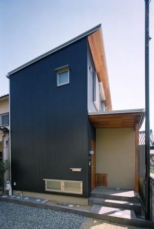 外観事例:片流れ屋根の外観(坊屋敷町の家)