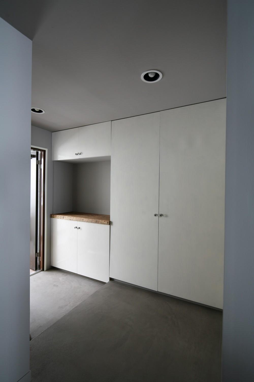 K邸 (シンプルな玄関スペース)