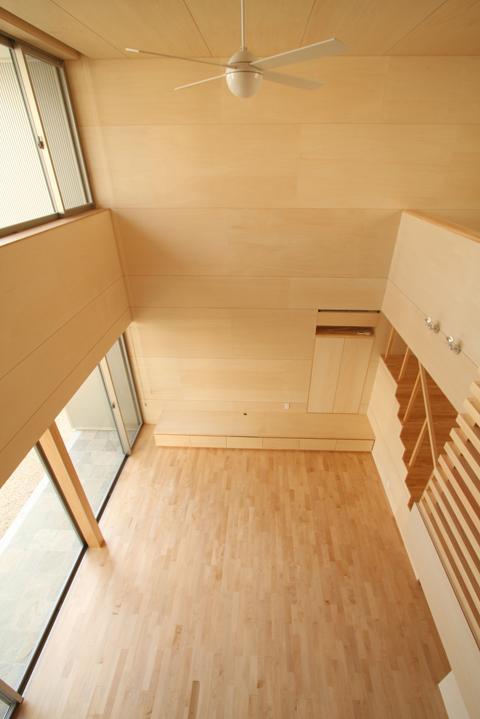 Gather Houseの部屋 居間を見下ろす