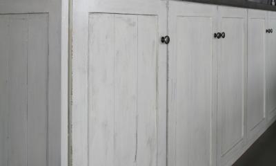 K邸 (アンティーク調塗装仕上げの収納棚)