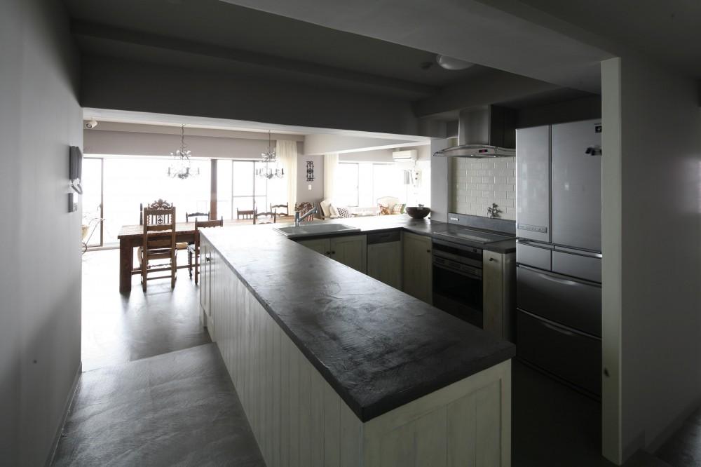 K邸 (U型キッチン)