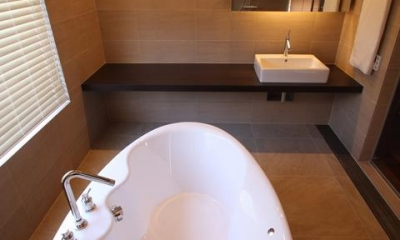 2階寝室専用バスルーム|Relaxation House