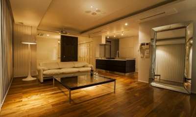 シンプル、シャビー、モロッコ調、部屋ごとに表情が変わるマンション (リビングダイニングキッチン)