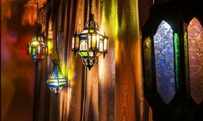 シンプル、シャビー、モロッコ調、部屋ごとに表情が変わるマンション (ベッドルーム)