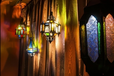 ベッドルーム (シンプル、シャビー、モロッコ調、部屋ごとに表情が変わるマンション)