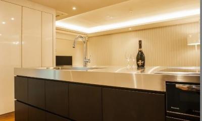 シンプル、シャビー、モロッコ調、部屋ごとに表情が変わるマンション (キッチン)