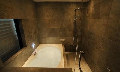 バスルーム|フロアごとに異なる顔を持つ遊び心満載の住まい