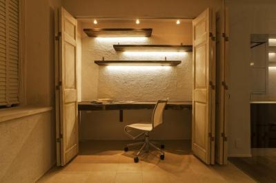 書斎 (シンプル、シャビー、モロッコ調、部屋ごとに表情が変わるマンション)