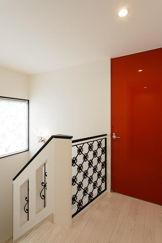 CAT HOUSE (猫と暮らす家)の部屋 黒い飾りフェンスのある階段