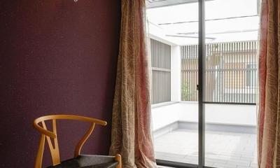 掃き出し窓からテラスに続く部屋|CAT HOUSE (猫と暮らす家)