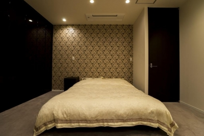 ベッドルーム (開放感あふれるイタリアンモダンの空間に生まれ変わったヴィンテージマンション)