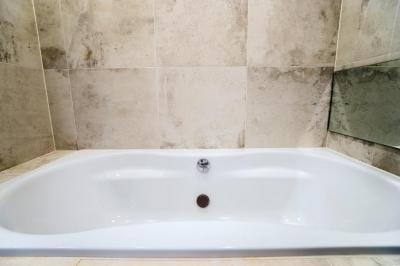 バスルーム (開放感あふれるイタリアンモダンの空間に生まれ変わったヴィンテージマンション)