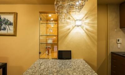 キッチン|家族の絆が深まるバーカウンターを備えた都心のタワーマンション
