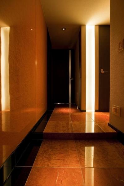 ホール (光の演出が冴える非日常空間でタワーライフを楽しむ)
