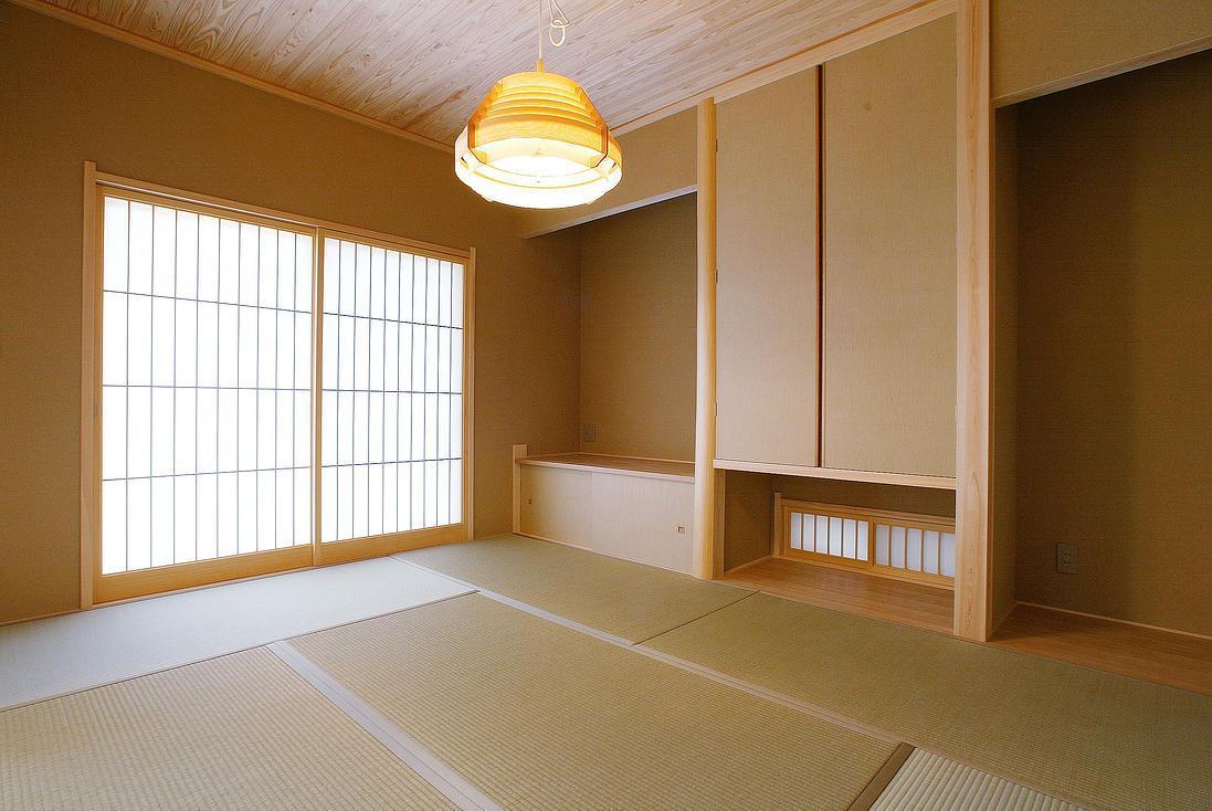 邑久町の家の部屋 明るく落ち着いた和室
