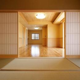邑久町の家 (和室からの眺め)