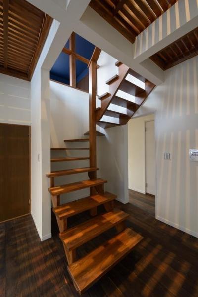 階段室 (リフォーム・リノベーション(中古住宅を夫婦2人の住まいへ))