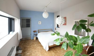 K邸 (ブルーの壁が爽やかなベッドルーム)