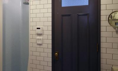 K邸 (シャワールームのドア)