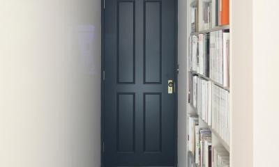 廊下壁付け本棚|K邸