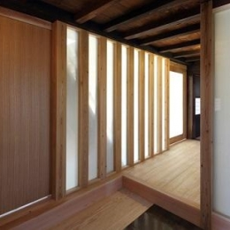 翡翠の家 (上がり框のある玄関)