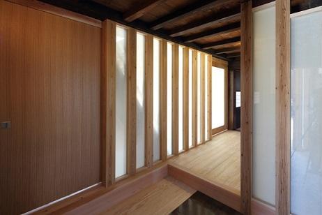 翡翠の家の部屋 上がり框のある玄関