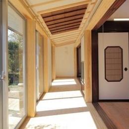 翡翠の家 (陽ざしを感じる空間)