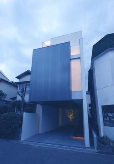 HT-HOUSE (モダンな外観)