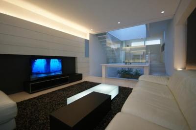 HT-HOUSE (モダンなリビング空間)