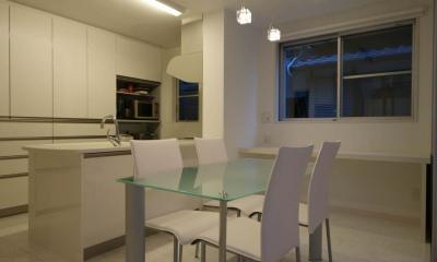 N-HOUSE (白で統一されたダイニングキッチン)