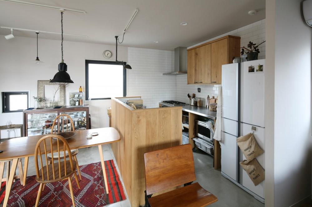 K邸 (木のぬくもり感じるキッチン)