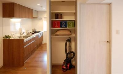 デザイン棚が魅力的なお部屋 (キッチン)